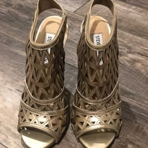 Steve Madden Gold Booties Size 7